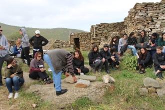 Ομάδα φοιτητών σε Καθοικιά της Πέρας Μεριάς
